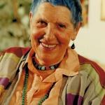 Eva mit blauen Haaren